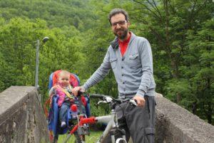 Gita in bicicletta con mia figlia in Val Brembana