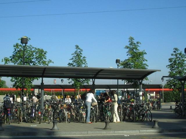 Piazza della ciclostazione